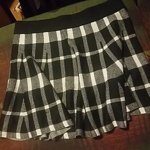 JW style med plaid skirt